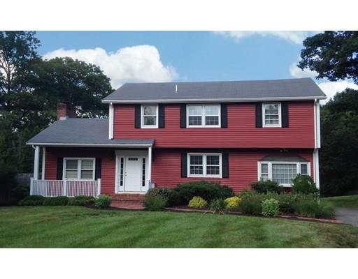 واحد منزل الأسرة للـ Sale في 2 RED COACH ROAD Hamilton, Massachusetts 01982 United States