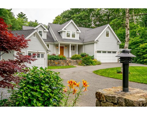 Single Family Home for Sale at 266 Haverhill Street North Reading, Massachusetts 01864 United States