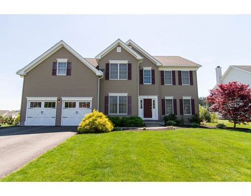 Частный односемейный дом для того Продажа на 170 Endean Drive Walpole, Массачусетс 02032 Соединенные Штаты