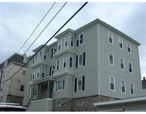独户住宅 为 出租 在 233 Division Street Fall River, 马萨诸塞州 02721 美国
