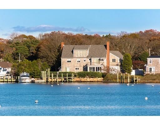 واحد منزل الأسرة للـ Sale في 64 Green Harbor Road Falmouth, Massachusetts 02536 United States