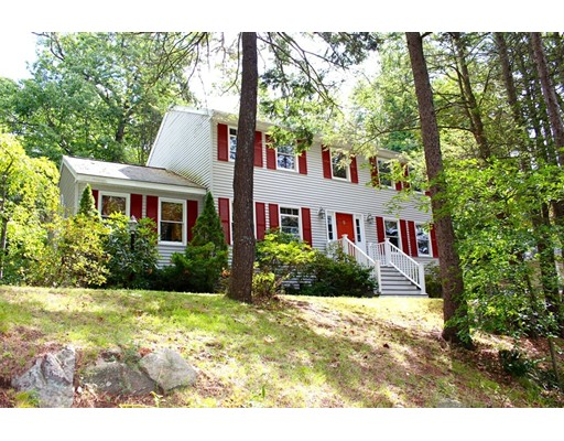Single Family Home for Sale at 5 Dillaway Street 5 Dillaway Street Wakefield, Massachusetts 01880 United States