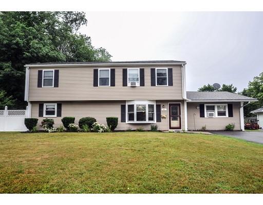 Maison unifamiliale pour l Vente à 81 Abington Avenue Holbrook, Massachusetts 02343 États-Unis
