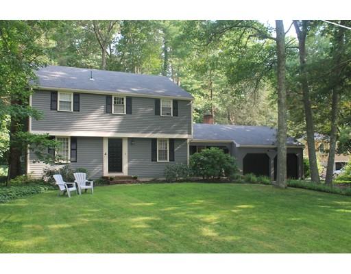 4 Flintlock Cir, Hingham, MA 02043