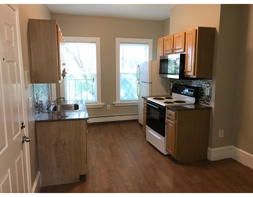Casa Unifamiliar por un Alquiler en 3001 Washington Street Boston, Massachusetts 02119 Estados Unidos