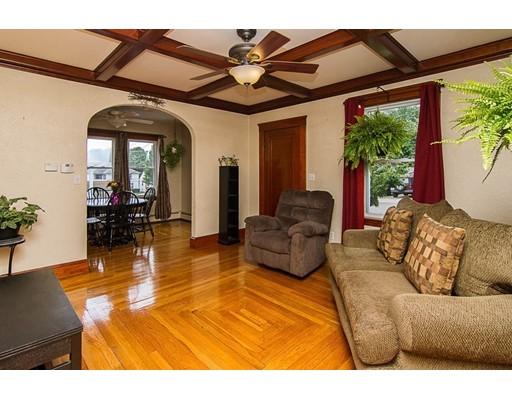 独户住宅 为 销售 在 2 Warner Street Blackstone, 马萨诸塞州 01504 美国