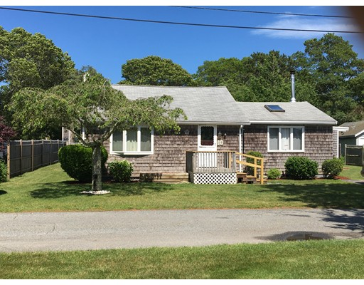 10 Fairview Road, Bourne, MA 02559