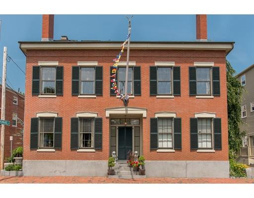 Частный односемейный дом для того Продажа на 6 Brown Street Salem, Массачусетс 01970 Соединенные Штаты