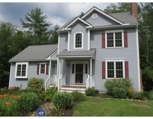 واحد منزل الأسرة للـ Sale في 14 Eleanor Lane 14 Eleanor Lane Charlton, Massachusetts 01507 United States
