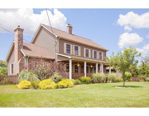 واحد منزل الأسرة للـ Sale في 16 Bethany Road 16 Bethany Road Monson, Massachusetts 01057 United States