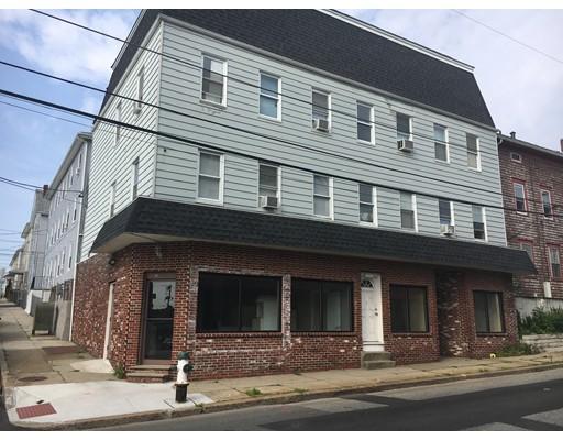 Maison avec plusieurs logements pour l Vente à 263 Rodman Street 263 Rodman Street Fall River, Massachusetts 02721 États-Unis
