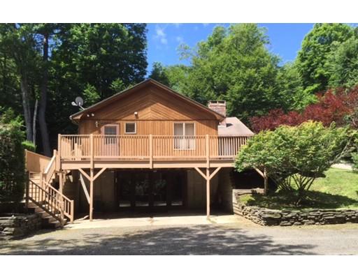واحد منزل الأسرة للـ Sale في 68 HAMMOND CIRCLE 68 HAMMOND CIRCLE Goshen, Massachusetts 01032 United States