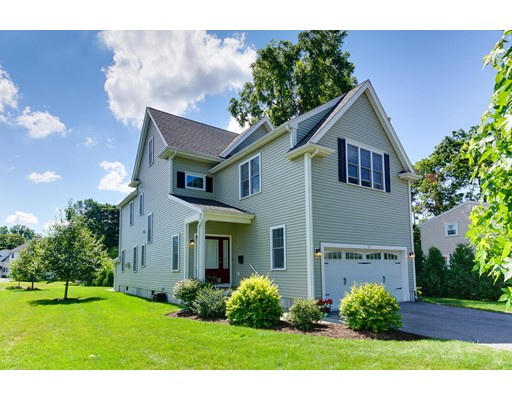 Частный односемейный дом для того Продажа на 29 Churchill Place Dedham, Массачусетс 02026 Соединенные Штаты