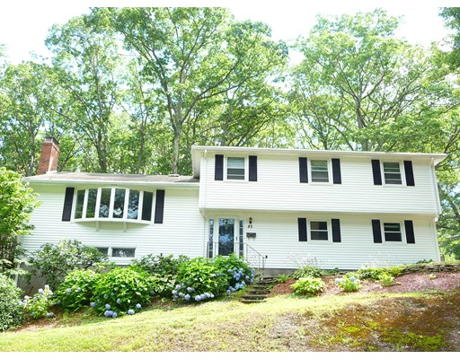 Single Family Home for Sale at 85 Indian Head Road Framingham, Massachusetts 01701 United States