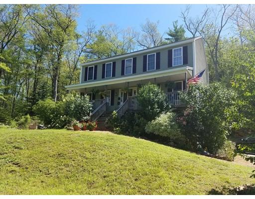 Maison unifamiliale pour l Vente à 283 Podunk Road 283 Podunk Road East Brookfield, Massachusetts 01515 États-Unis