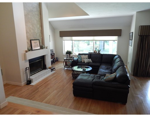 Condominium for Sale at 5 Apple Valley Drive 5 Apple Valley Drive Sharon, Massachusetts 02067 United States
