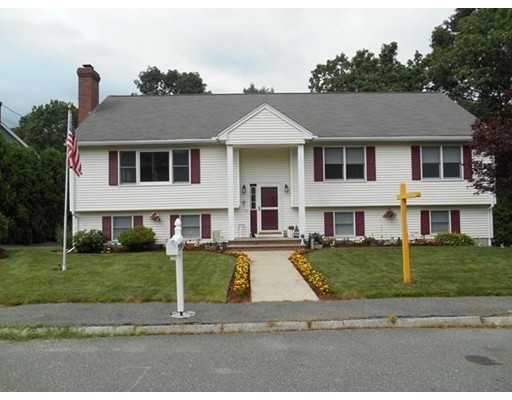 Single Family Home for Sale at 7 Bay Street Woburn, Massachusetts 01801 United States