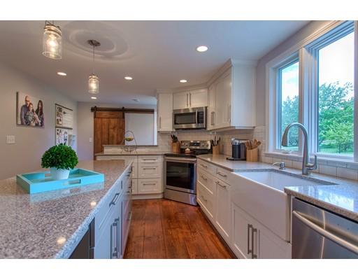 Casa Unifamiliar por un Venta en 1009 Main Street Bolton, Massachusetts 01740 Estados Unidos