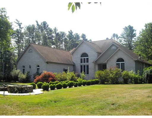 Single Family Home for Sale at 163 Gammons Road 163 Gammons Road Acushnet, Massachusetts 02743 United States