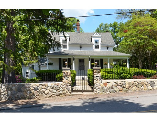 Casa Unifamiliar por un Alquiler en 14 Broadway Stoneham, Massachusetts 02180 Estados Unidos