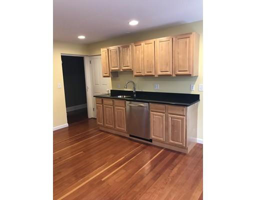 独户住宅 为 出租 在 54 W Main Street 斯特伯鲁, 马萨诸塞州 01581 美国