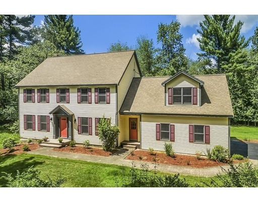 Casa Unifamiliar por un Venta en 185 Tamarack Lane Boxborough, Massachusetts 01719 Estados Unidos