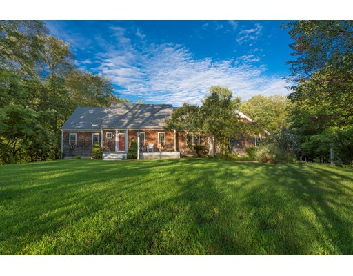 واحد منزل الأسرة للـ Sale في 437 Center Street 437 Center Street Bellingham, Massachusetts 02019 United States