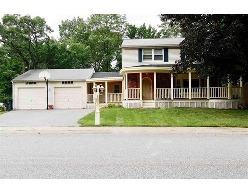 独户住宅 为 销售 在 13 Nightingale Road Nashua, 03062 美国