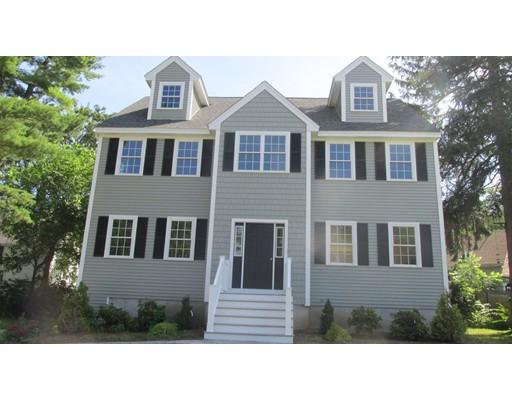 Maison unifamiliale pour l Vente à 24 School Street Groveland, Massachusetts 01834 États-Unis