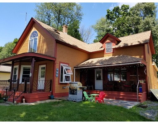 Maison unifamiliale pour l Vente à 54 Fredonian Street 54 Fredonian Street Shirley, Massachusetts 01464 États-Unis