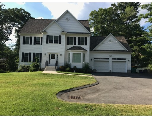 Single Family Home for Sale at 40 George F Willett Pkwy Norwood, Massachusetts 02062 United States