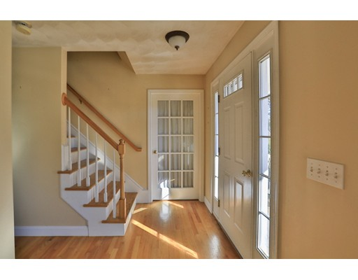 Casa Unifamiliar por un Venta en 71 Oakridge Road West Greenwich, Rhode Island 02817 Estados Unidos