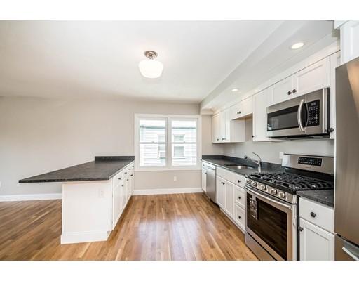 Apartamento por un Alquiler en 75 Summer St #B 75 Summer St #B Medford, Massachusetts 02155 Estados Unidos