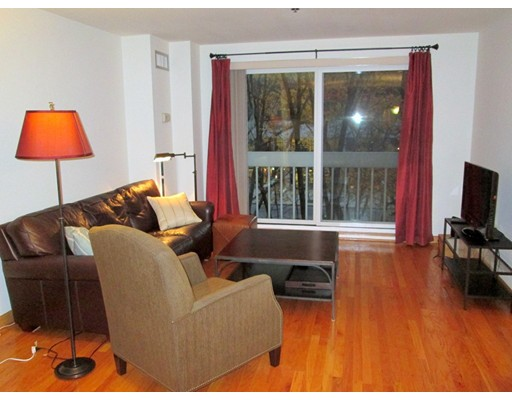 950 Massachusetts Avenue 304, Cambridge, MA 02138