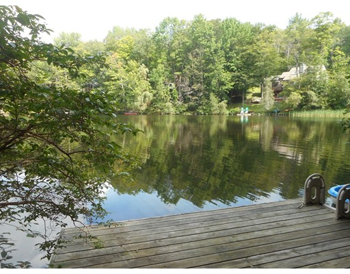 独户住宅 为 销售 在 112 Brook Lane Tolland, 马萨诸塞州 01034 美国