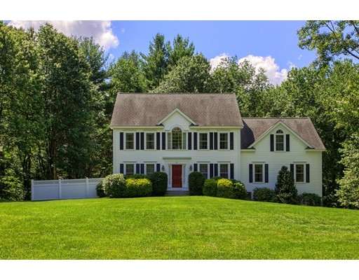 Maison unifamiliale pour l Vente à 8 Harbor Street Pepperell, Massachusetts 01463 États-Unis