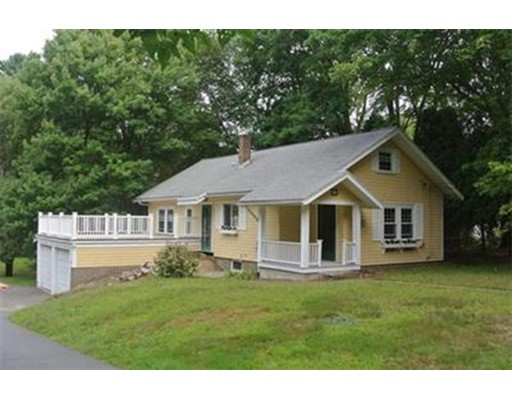 واحد منزل الأسرة للـ Rent في 25 Centre Dover, Massachusetts 02030 United States