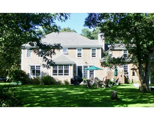 666 Old County Rd - West Tisbury, MA