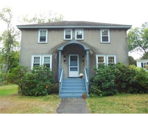 Apartamento por un Alquiler en 17 Crescent Avenue #left side Bedford, Massachusetts 01730 Estados Unidos