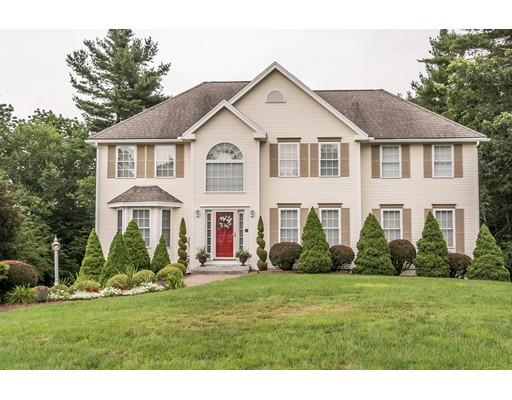 Maison unifamiliale pour l Vente à 27 Greenfield Drive Plaistow, New Hampshire 03865 États-Unis