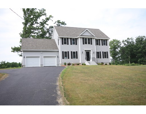 Single Family Home for Sale at 20 Pond View Drive 20 Pond View Drive Clinton, Massachusetts 01510 United States