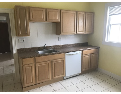 Additional photo for property listing at 1304 Broadway #3 1304 Broadway #3 Somerville, Massachusetts 02144 United States