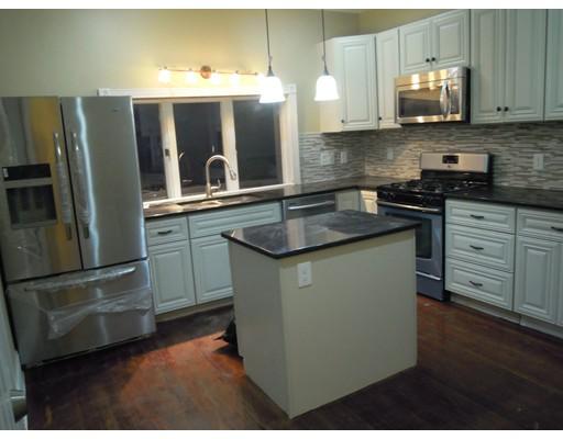 独户住宅 为 出租 在 10 Golden Avenue 梅福德, 02155 美国