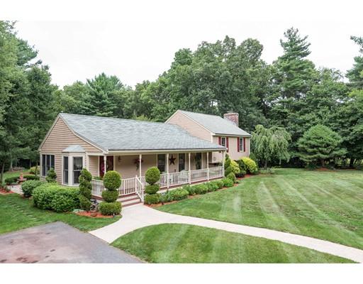 Maison unifamiliale pour l Vente à 1 Crabapple Drive Berkley, Massachusetts 02779 États-Unis
