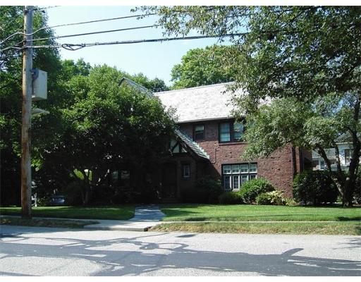 Maison unifamiliale pour l à louer à 487 Ward Street #Unit 487 487 Ward Street #Unit 487 Newton, Massachusetts 02459 États-Unis