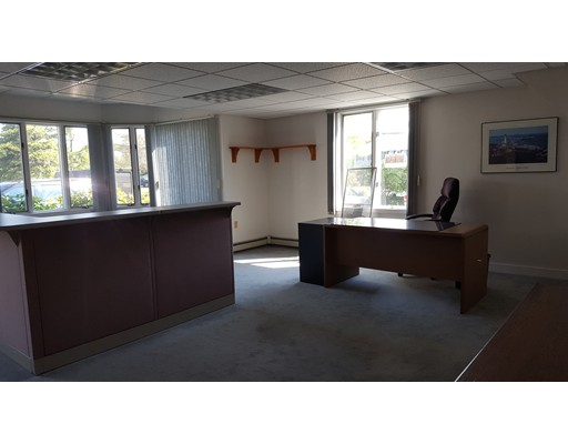 Commercial للـ Rent في 180 Old Plymouth 180 Old Plymouth Bourne, Massachusetts 02562 United States
