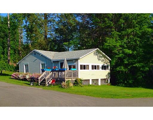 Casa Unifamiliar por un Venta en 20 West Shore Drive Goshen, Massachusetts 01032 Estados Unidos
