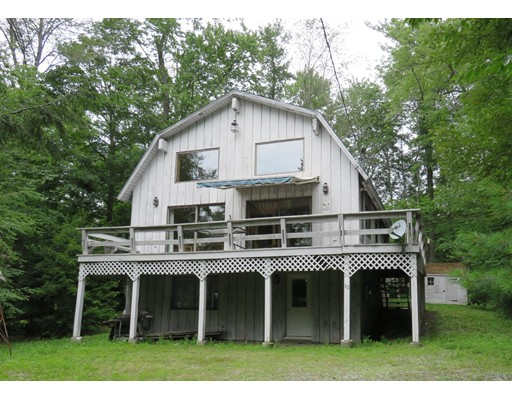 Single Family Home for Sale at 32 Lakeview Lane 32 Lakeview Lane Tolland, Massachusetts 01034 United States