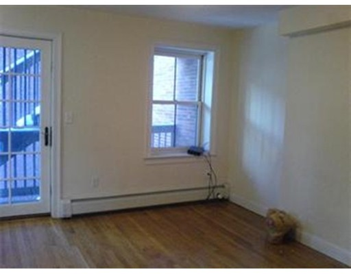 Additional photo for property listing at 18 Hudson  Boston, Massachusetts 02111 United States