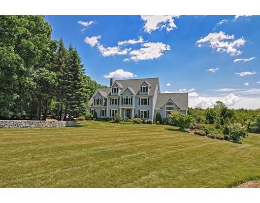 Частный односемейный дом для того Продажа на 46 Blackstone Street Mendon, Массачусетс 01756 Соединенные Штаты